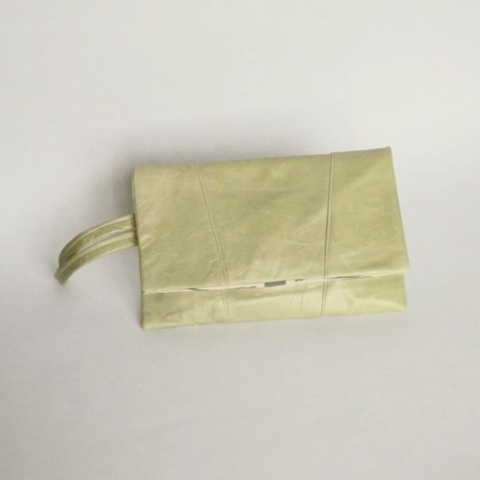 Pochette cuir menthe - Versoix