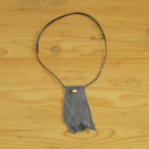 Grey necklace in suede