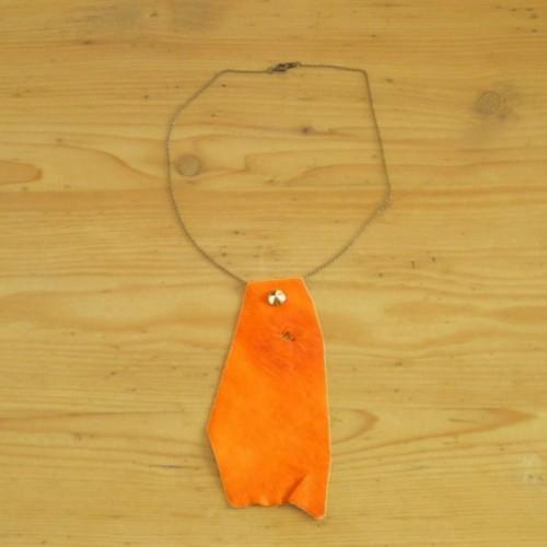 Collier orange en cuir avec chaînette - Nyon