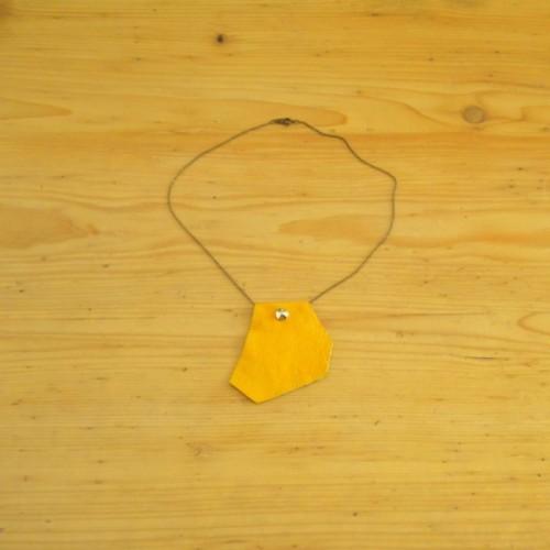 Collier en cuir jaune avec chaînette - Nyon