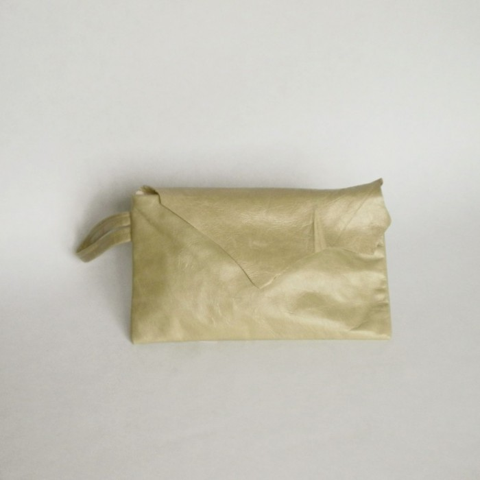 Mint leather purse with flap