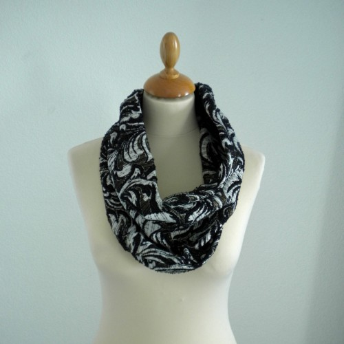 Gold cashmere print snood
