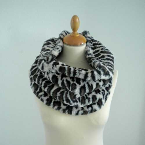 Leopard fur snood
