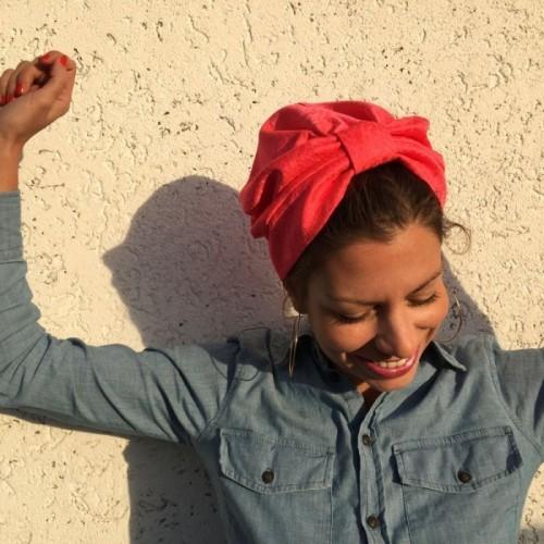 Turban mode rose créé par Opian Genève