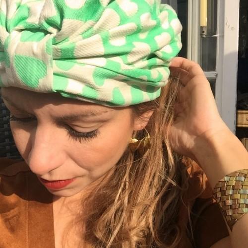 Turban vert et blanc cassé par Opian Genève