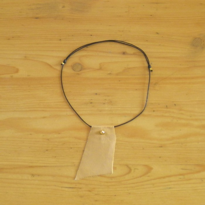 Beige leather necklace