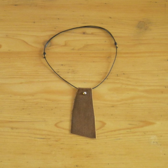 Brown necklace in leather