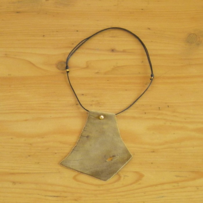 Khaki leather necklace